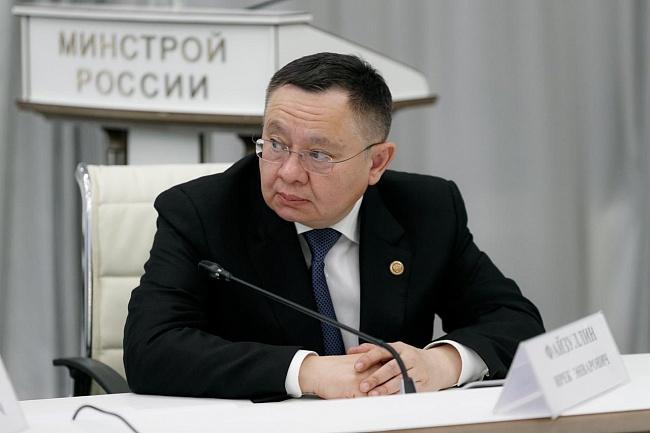 Вопрос развития деревянного строительства вРоссии должен быть проработан всрочном порядке, заявил глава Минстроя РФ ИрекФайзуллин