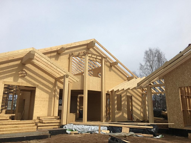 Первый дом изCLT-панелей SegezhaGroup возводится вЛенинградской области
