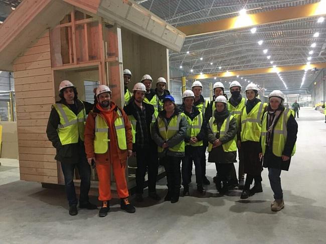 Молодые архитекторы ознакомились спроизводством CLT-панелей SegezhaGroup вСоколе